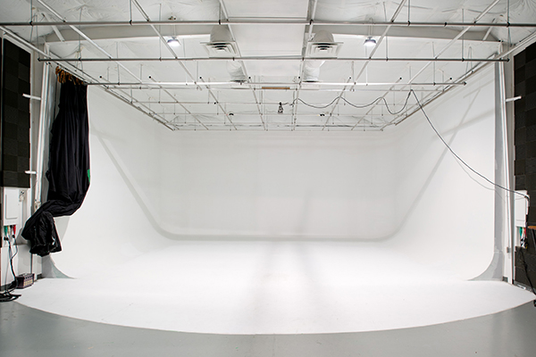 Photography Studio Rental 32'x24' cyc cove.